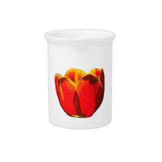 赤いチューリップの花 ピッチャー