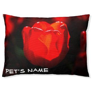 赤いチューリップの花-火 ペットベッド