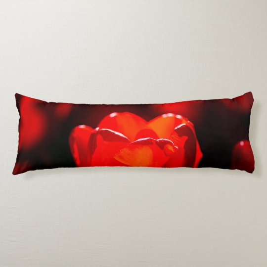 赤いチューリップの花-火 ボディピロー