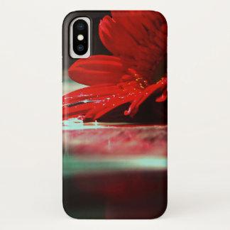 赤いデイジーのガーベラの花 iPhone X ケース