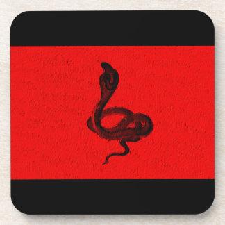 赤いデザインのエジプトのコブラ コースター