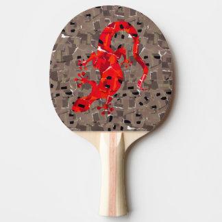 赤いトカゲのコラージュ 卓球ラケット