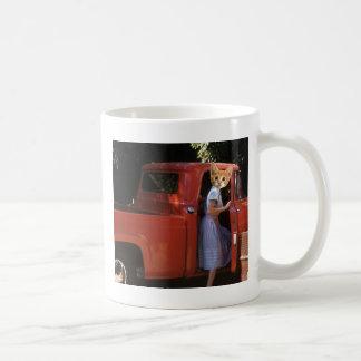赤いトラックの子ネコ コーヒーマグカップ
