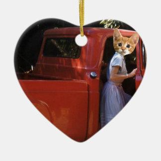 赤いトラックの子ネコ セラミックオーナメント