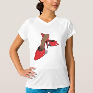 赤いハイヒールの靴レディース能動態のティー Tシャツ