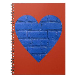 赤いハートのノートの青い煉瓦 ノートブック