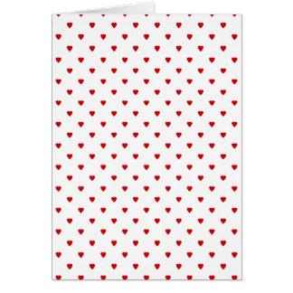 赤いハートは白い背景で模造します カード