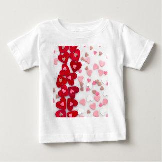 赤いハート ベビーTシャツ