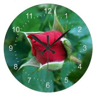 赤いバラのつぼみ ラージ壁時計