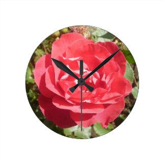 赤いバラの時計 ラウンド壁時計