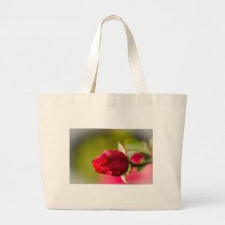 赤いバラの終わりの上りのデザイン ラージトートバッグ