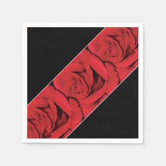 赤いバラの結婚式の白黒 スタンダードカクテルナプキン