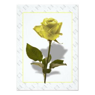 赤いバラの花束およびリボン カード