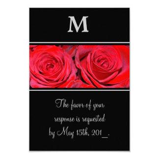 赤いバラの黒の銀のモノグラムの結婚式の応答 カード