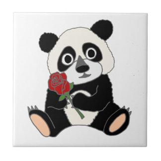 赤いバラを握っているかわいいパンダくま タイル