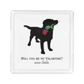 赤いバラI愛を保持している黒いラブラドール犬 アクリルトレー