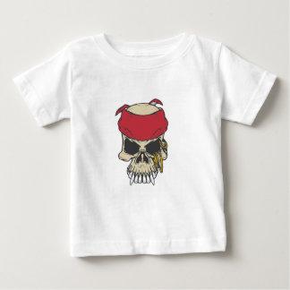 赤いバンダナが付いているTシャツのスカル ベビーTシャツ