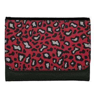 赤いヒョウの財布
