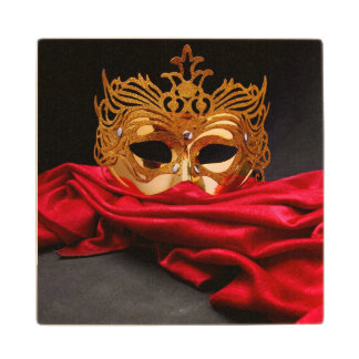 赤いビロードの仮面舞踏会のための飾られたマスク ウッドコースター