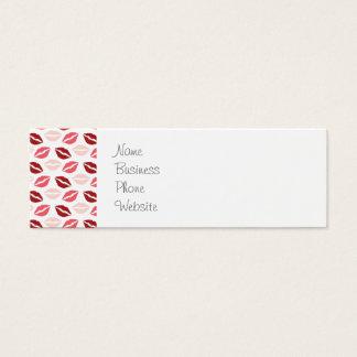 赤いピンクは私にキスの唇のバレンタインデーのギフト接吻します スキニー名刺