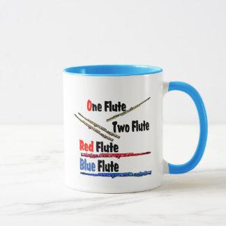 赤いフルートの青のフルート マグカップ