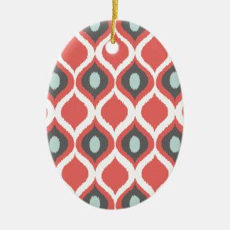 赤いブルーグレーの幾何学的なイカットの種族のプリントパターン セラミックオーナメント
