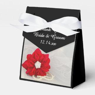 赤いポインセチアおよび白の真珠の冬の結婚式 フェイバーボックス