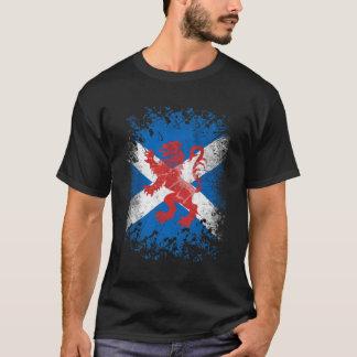 赤いライオンの手がつけられなく、スコットランドの旗 Tシャツ