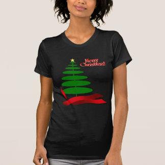 赤いリボンが付いているクリスマスツリー Tシャツ