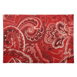 赤いレトロのペイズリーのバンダナかバンダナ ランチョンマット