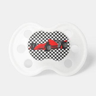 赤いレースカーのベビーの調停者 おしゃぶり
