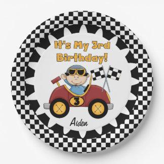 赤いレースカーの第3誕生日の紙皿 ペーパープレート