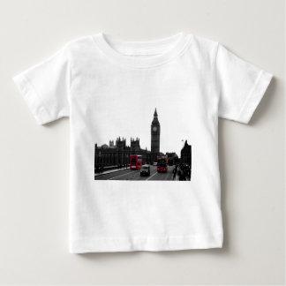 赤いロンドンの観光バスおよびビッグベン ベビーTシャツ