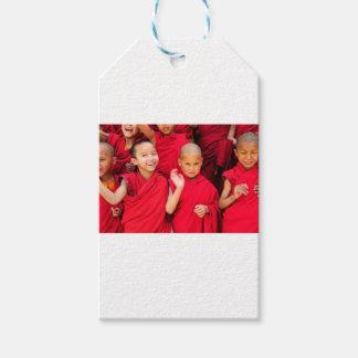赤いローブの小さい修道士 ギフトタグ