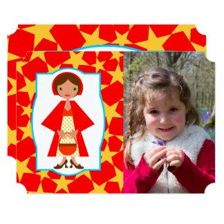 赤い乗馬フードの誕生会の写真の招待状 カード
