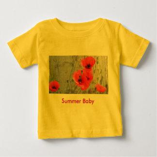 赤い分野のヒナゲシのベビーのTシャツ ベビーTシャツ