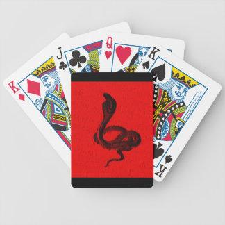 赤い動物のデザインのコブラ バイスクルトランプ