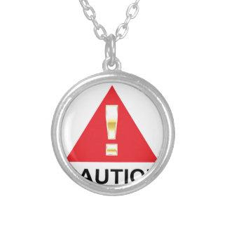 赤い印の注意の金ゴールドの注意の印 シルバープレートネックレス