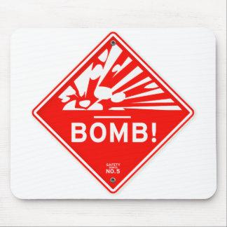 赤い印の爆撃注意を警告する安全爆弾 マウスパッド