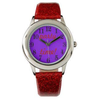 赤い女性及び紫色のパーティーの時間グリッターの腕時計 腕時計
