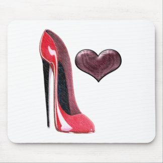 赤い小剣の靴および3Dハートのデザイン マウスパッド