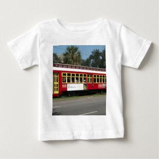 赤い市街電車 ベビーTシャツ