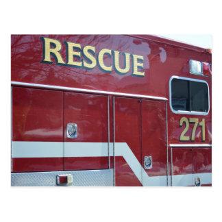 赤い救急車のクローズアップ ポストカード