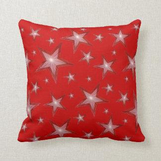 赤い星の「文字」の装飾用クッションの正方形の白 クッション