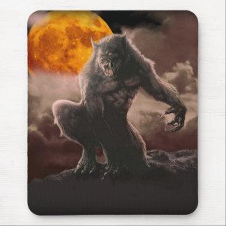 赤い月の狼人間 マウスパッド