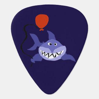 赤い気球を握っているおもしろいな鮫 ギターピック
