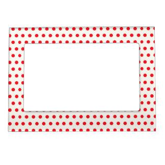 赤い水玉模様のレトロのデザイン マグネットフレーム
