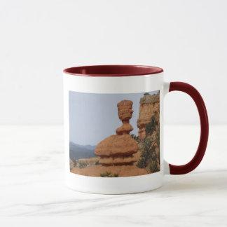 赤い渓谷、ユタの豪華なHoodoo マグカップ