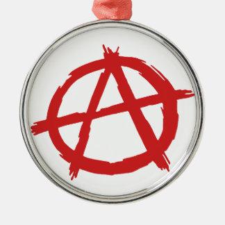 赤い無政府主義者記号の無秩序のロゴ シルバーカラー丸型オーナメント