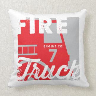 赤い白人の消防車の普通消防車の子供の枕 クッション